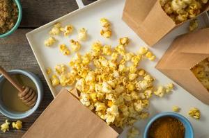 sweet-and-savory-curry-popcorn